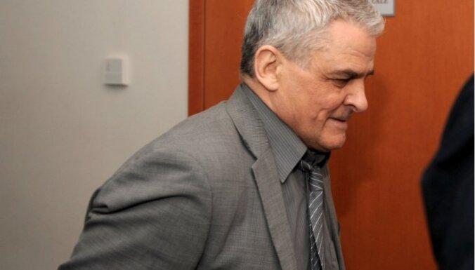 Daļēji atceļ spriedumu par šaušalīgu akla pensionāra slepkavību, kurā apsūdzēts arī recidīvists Daugulis