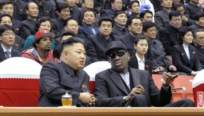 Тайсон вернет ухо Холифилду, Родман навсегда уедет в Северную Корею