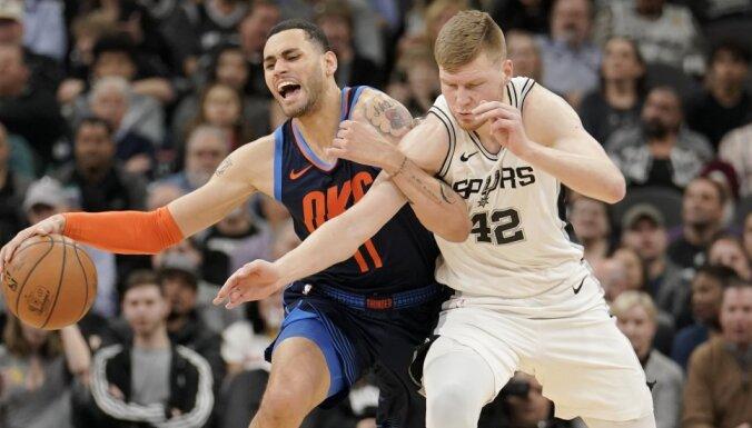 Bertāns ar perfektu precizitāti palīdz 'Spurs' pagarinājumā pieveikt 'Thunder'
