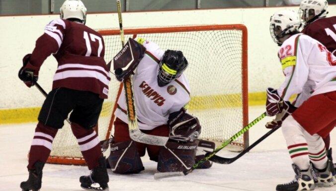 Латвийские хоккеисты стартуют в X зимней юношеской Олимпиаде