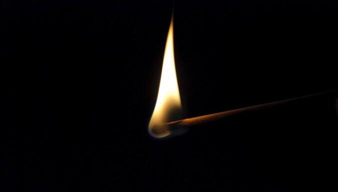 На месте пожара нашли мертвую молодую женщину