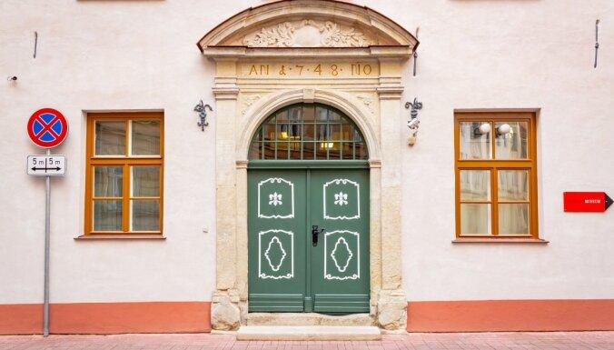 Foto: Pabeigti Rīgas vēstures un kuģniecības muzeja fasādes restaurācijas darbi