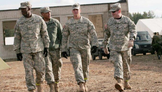 Газета: американским солдатам в Латвии нравится