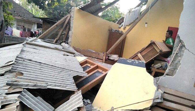 Foto: Zemestrīcē Indonēzijas Lombokas salā bojā gājuši 14 cilvēki