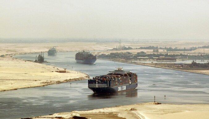 'Ēģipte nes gaismu Āzijai': Suecas kanālam 150