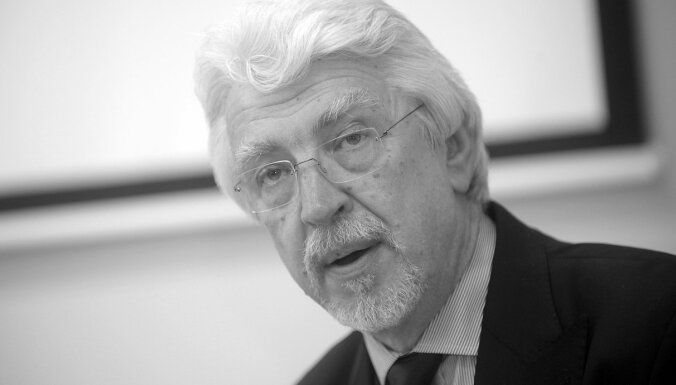 Aizgājis mūžībā politiķis un diplomāts Ojārs Ēriks Kalniņš
