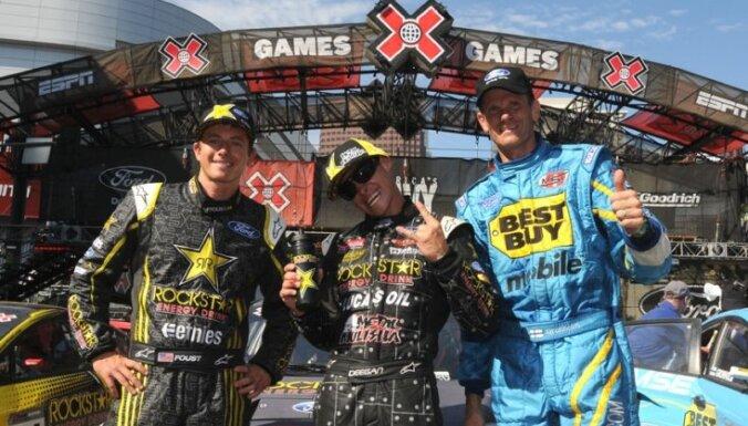 Pasaules rallija čempions Gronholms uz pjedestāla 'X Games' rallijkrosa čempionātā