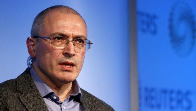Krievija izsludina Hodorkovski federālā meklēšanā