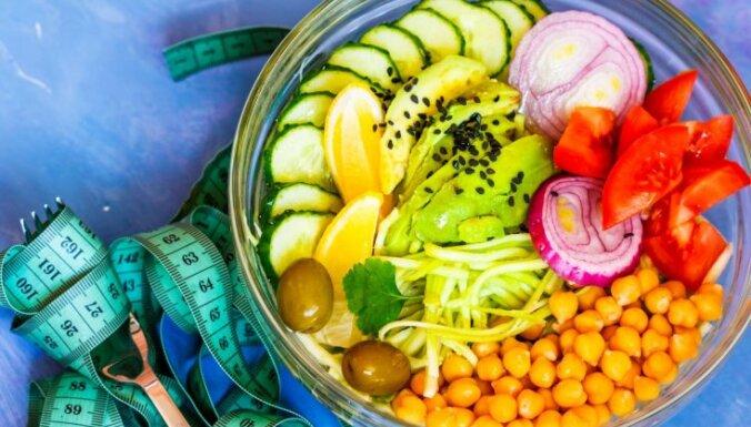 Ēd un tievē – pirmā nedēļa: speciālistu ieteikta ēdienkarte svara zaudēšanai