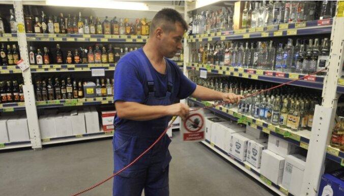 Pēc 19 cilvēku nāves Čehijā aizliedz stiprā alkohola tirdzniecību