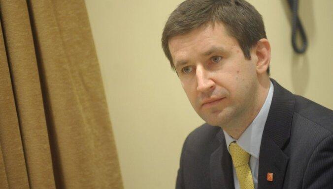 Ķīlis demisionē; koalīcija atbalsta Vjačeslavu Dombrovski ministra amatā
