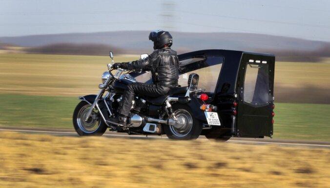 Vācietis radījis motociklu - katafalku