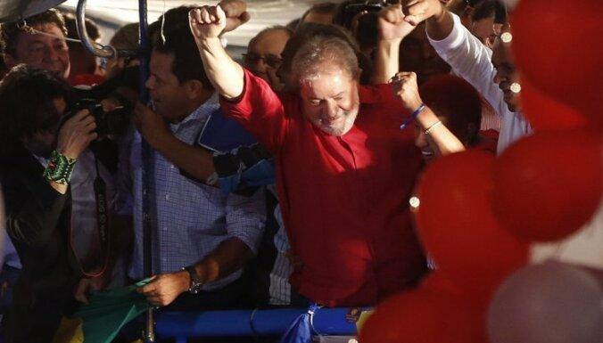 Brazīlijas tiesnesis aptur eksprezidenta stāšanos prezidenta kancelejas vadītāja amatā