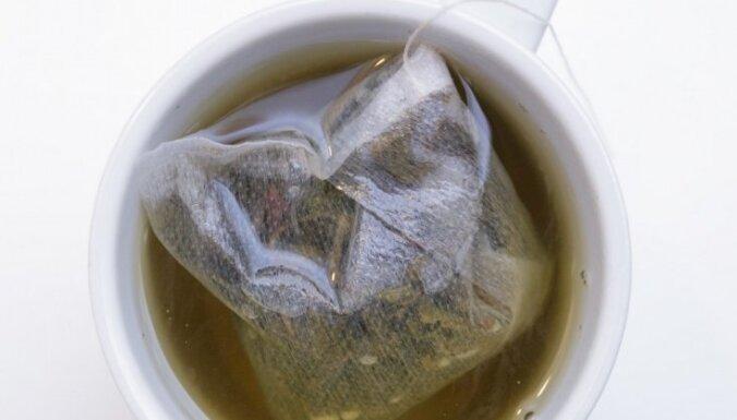 Neizmet tējas maisiņus! Sešas idejas, kur tos mājās var pielietot