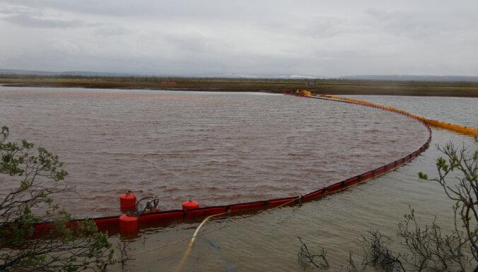 Krievijas ziemeļos atkal notikusi liela degvielas noplūde