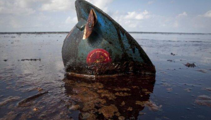 Нефтяное пятно угрожает популярному курорту в Египте