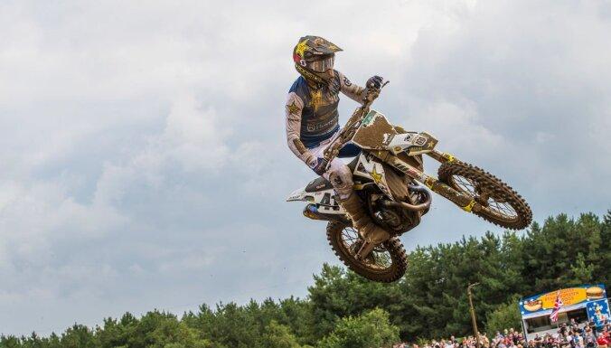 Oficiāli pagarināts līgums par pasaules čempionāta posma motokrosā rīkošanu Ķegumā