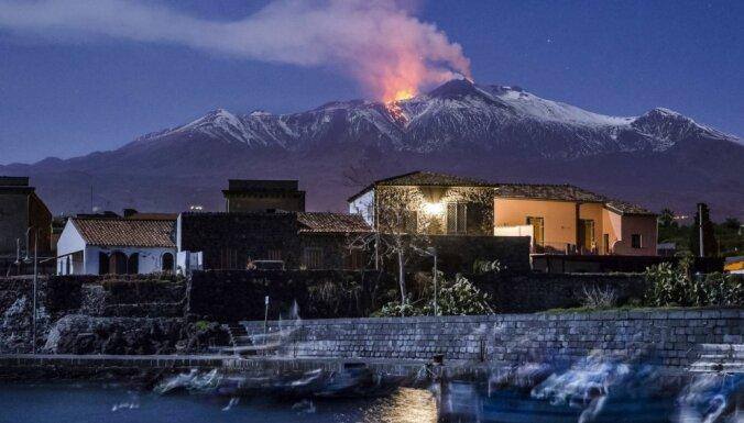 Skaisti, uguni spļaujoši vai unikāli: vulkāni, kas neatstās vienaldzīgu