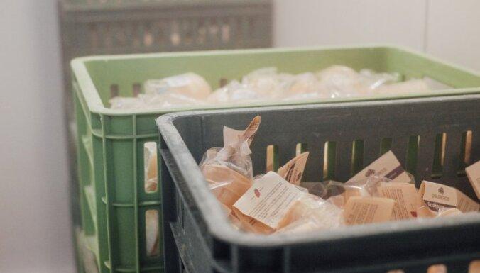 Latvija var! Ar busiņiem saldējumu nogādā tālās lauku mājās un Rīgas birojos