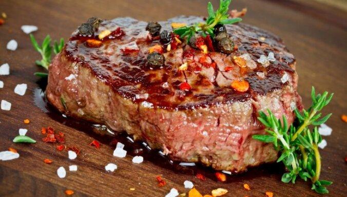 Главная ошибка при жарке мяса, которую допускают все