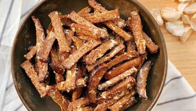 'Ķieģelīša' ķiploku grauzdiņi majonēzes 'mētelītī'