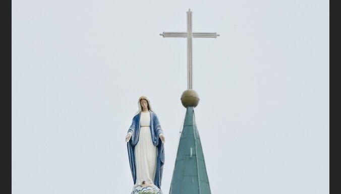 Vatikāns: sieviešu ordinācija ir 'noziegums pret ticību'