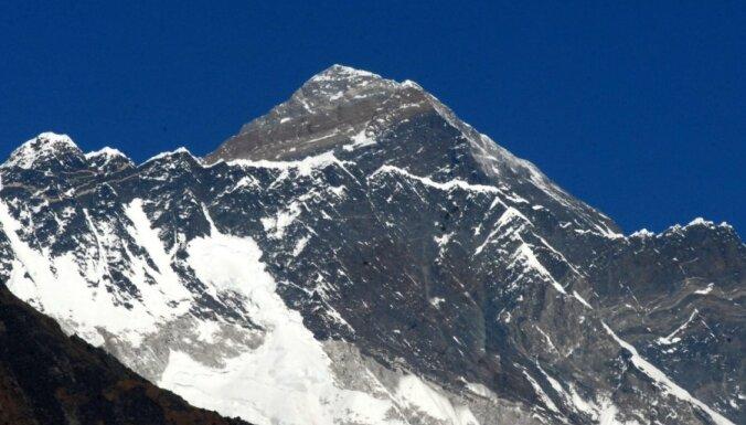 Непал просит помощи в точном измерении Эвереста