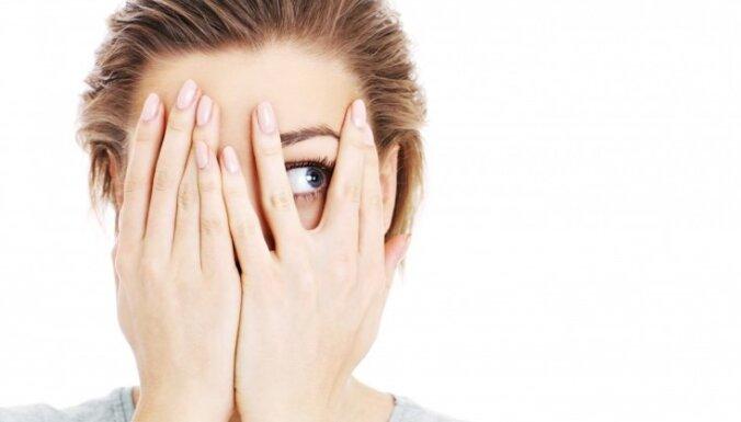 Astoņas pazīmes, kas var liecināt – ciet no nervu bojājumiem