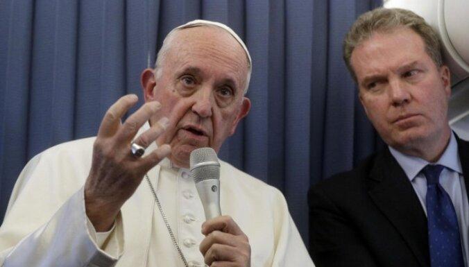 Pāvests atsakās komentēt apsūdzības par bērnu seksuālās izmantošanas piesegšanu