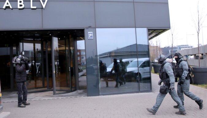 Обыски в ABLV: полиция опросила акционера Эрнеста Берниса