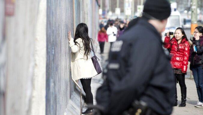 Varasiestādes noraida ieceri atjaunot daļu no Berlīnes mūra