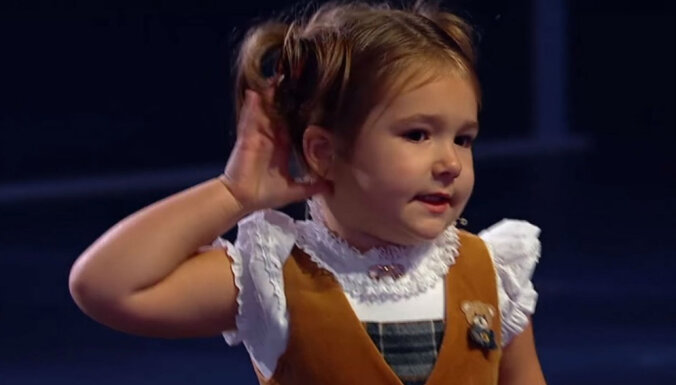 Interneta sensācija: Krievu šovā uzmirdz mazulīte-brīnumbērns