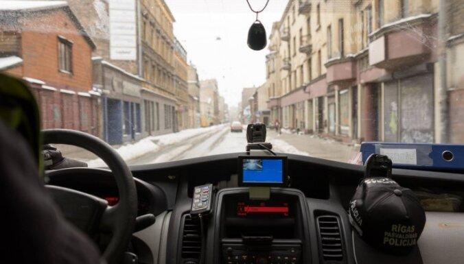 Purvciemā aiztur autovadītāju 2,84 promiļu reibumā