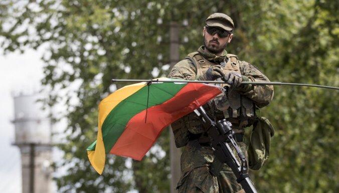 Правительство Литвы привлечет военных для контроля в аэропортах и на границе