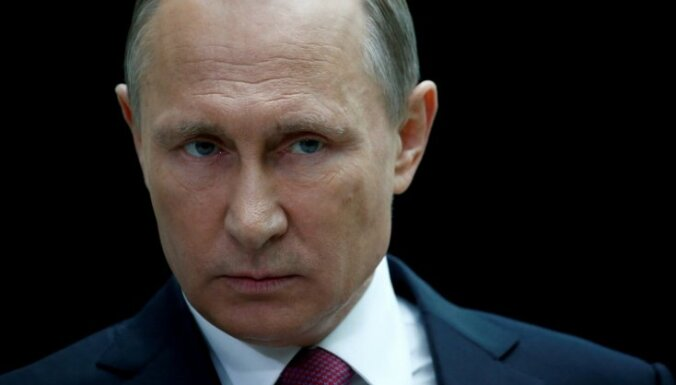 Kandidāte 'pret visiem': kas zināms par Sobčakas pretendēšanu uz Putina krēslu