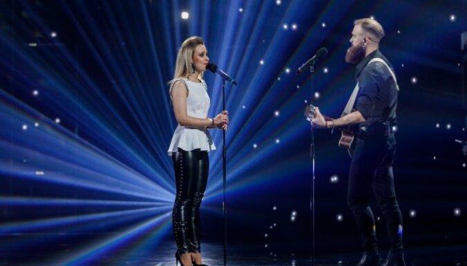 Video: 'X Faktora' abu sezonu uzvarētāju aizkustinošais duets