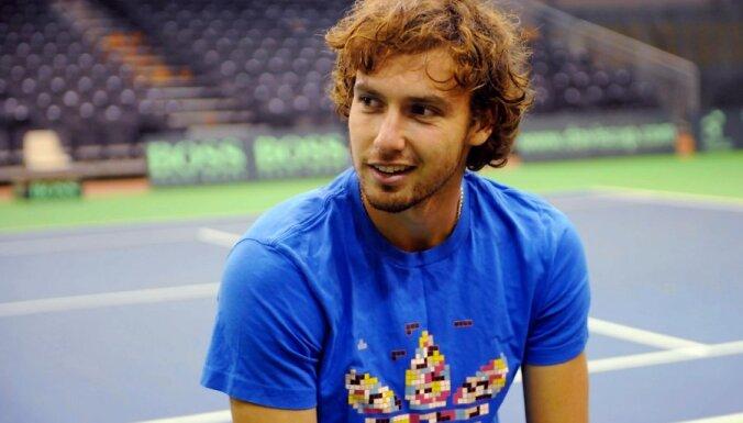 Pēc uzvaras Delrejbīčā Gulbis ATP rangā pakāpjas līdz 67.vietai