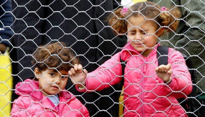 Migranti uz Austrijas robežas