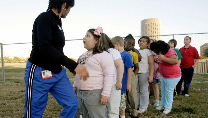 Эксперты объяснили, почему современные дети стремительно полнеют