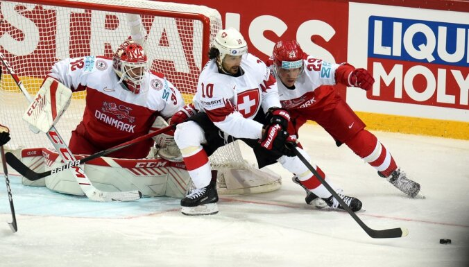 Šveice uzvar ar vieniem gūtiem vārtiem; dāņi izdara tikai četrus metienus