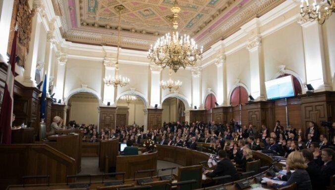 Ar jaunās valdības apstiprināšanu Saeimā varētu nomainīties desmitā daļa deputātu