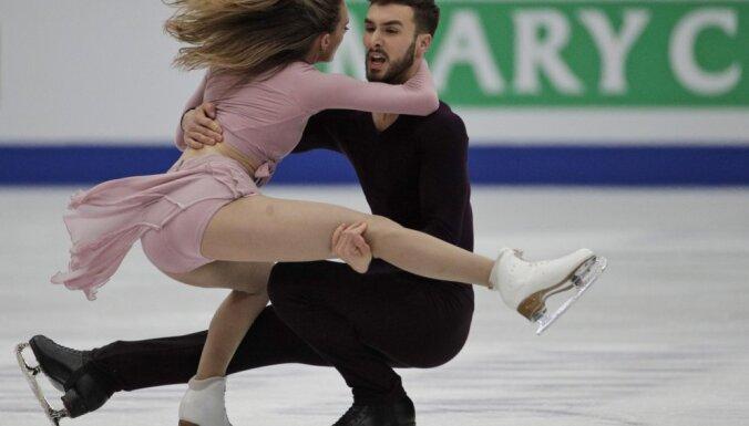Video: Francijas duets Papadakis/Sizerons nosargā pasaules čempionu titulu dejās uz ledus