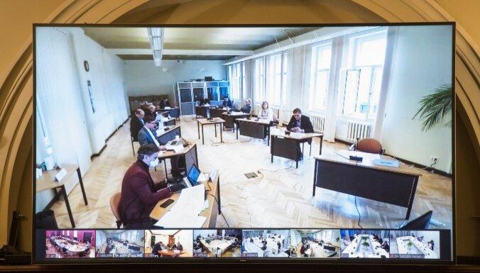 Saeimas ārkārtas sēdē apstiprina ministru un grozījumus par ārkārtējo situāciju; deputāti maina komisijas (plkst. 13:45)