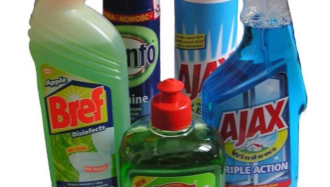 Nejauši iedzerot tīrīšanas līdzekli, vīrietis gūst ķīmiskus apdegumus