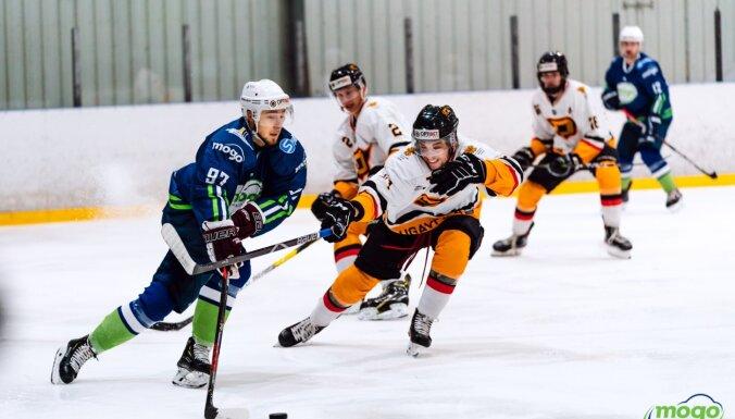 """Несколько хоккеистов """"Динабурга"""" заболели с симптомами ОРВИ, матч перенесен"""