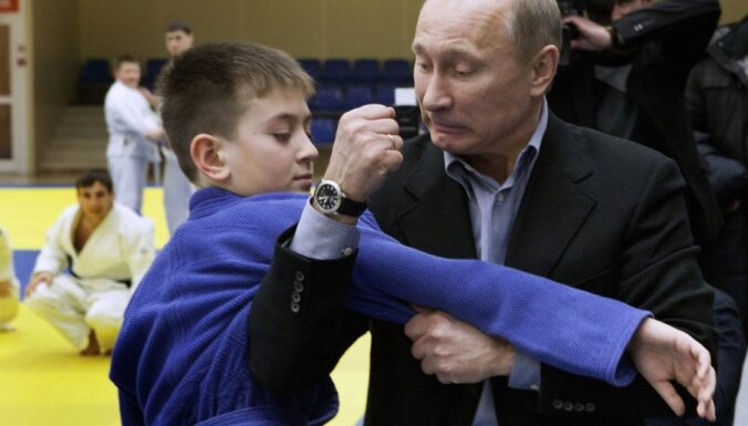 Пресс-секретарь Путина признал, что президент травмирован