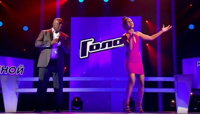 Video: Aminata pieveic komandas biedru un turpina dalību šovā 'Golos'