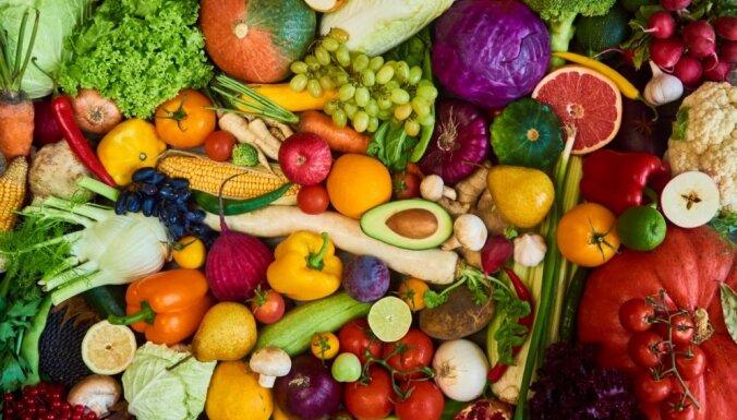 Veikalu plauktos vai pagrabā: kur meklēt augļus un dārzeņus, ziemai noslēdzoties