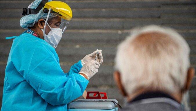 Covid-19: Peru pēc pārskata veikšanas būtiski palielinājies reģistrēto nāves gadījumu skaits