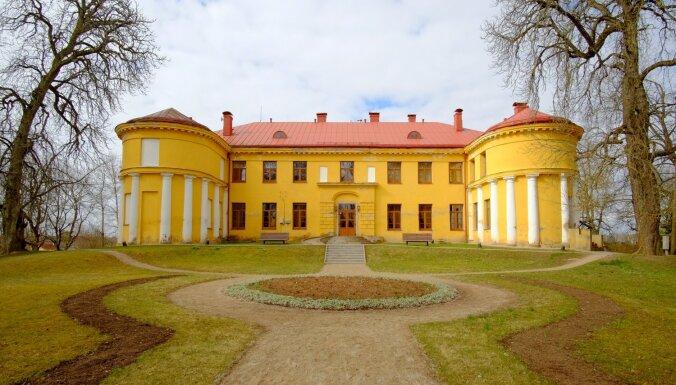 Шесть усадебных и дворцовых парков Латвии для прогулки на выходных